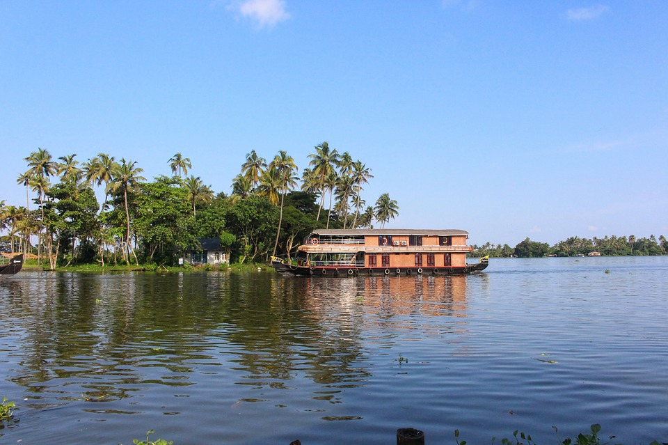 tourist places in Kerala, Alleppey
