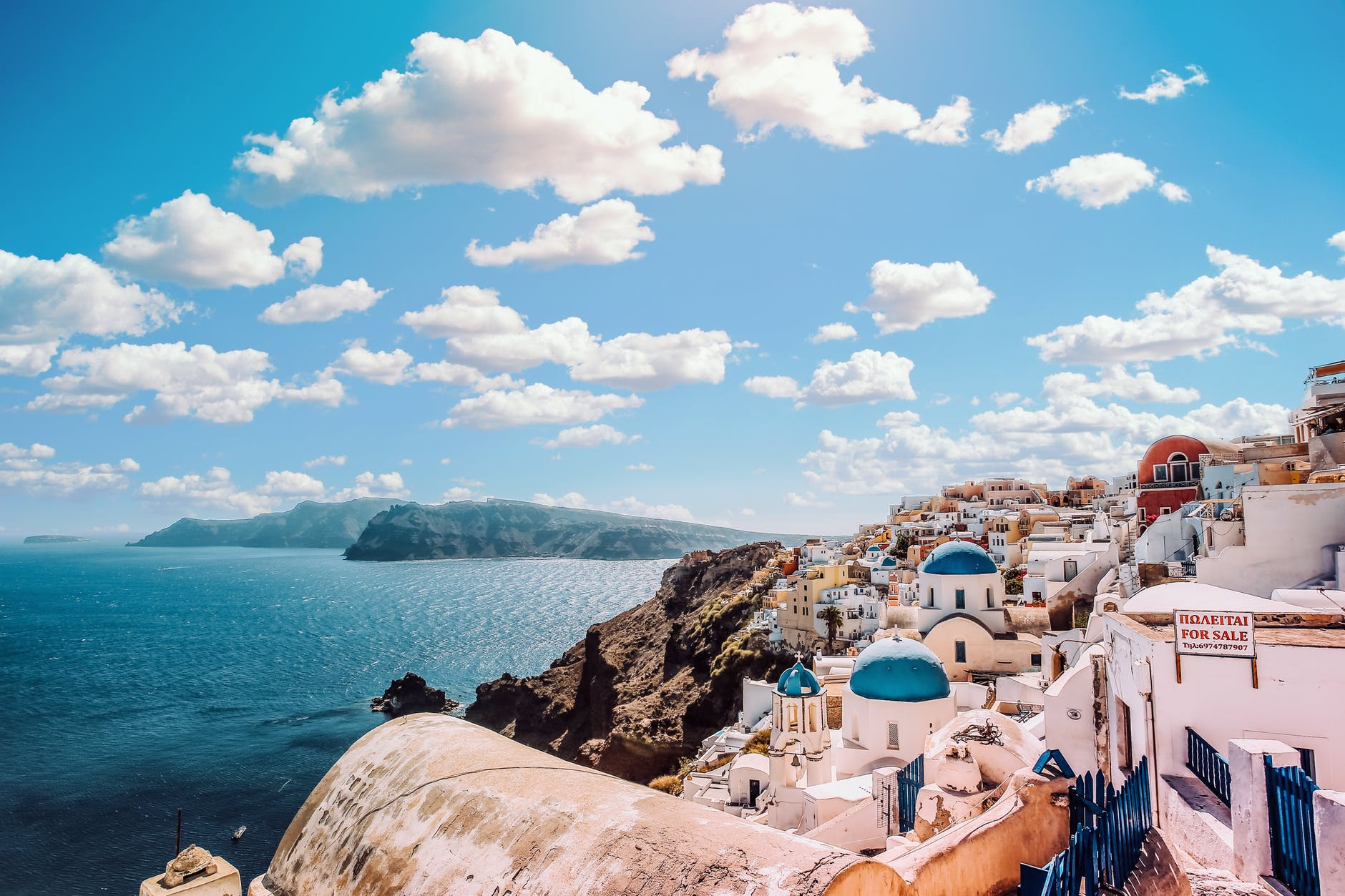 Greece comes in the INTERNATIONAL HONEYMOON DESTINATIONS